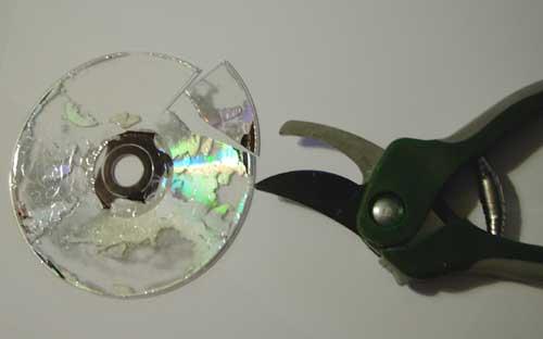basteln mit cds cd kugel aus cds zum basteln einer. Black Bedroom Furniture Sets. Home Design Ideas